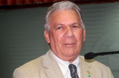 José Aldemir permanece no PEN com medo de perder o mandato