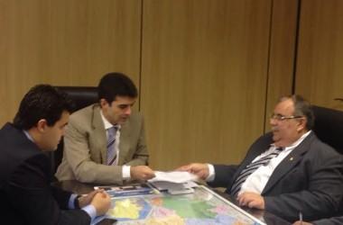 Deputados cobram e ministro garante funcionamento do terminal pesqueiro da PB
