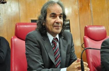 IRONIA: Vereador diz que Cartaxo pode virar pastor por aparição de peixes
