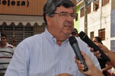 Ex-governador da Paraíba faz 'pacto de silêncio político'