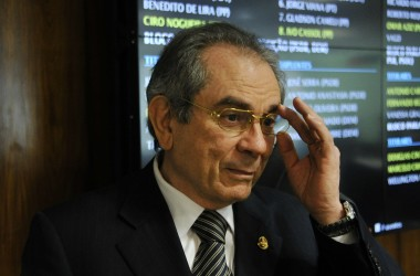 Lira foi o único senador da PB a votar contra e a favor de Dilma, mas acredita que não terá relacionamento com Temer abalado