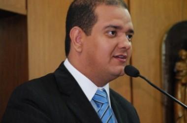 Bruno Farias e Léo Bezerra vão liderar a oposição