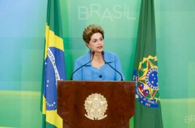 Dilma entra com nova ação contra impeachment