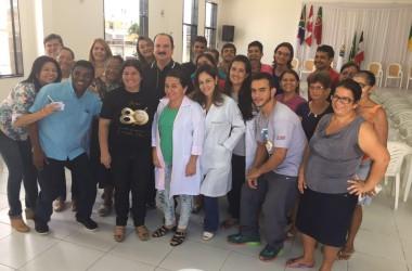Durval realiza ações de saúde em bairros da Capital