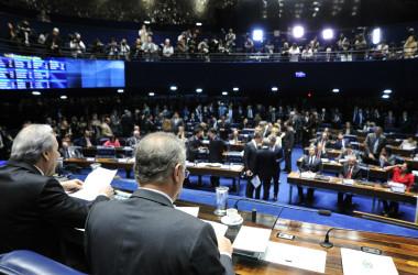 Senado aprova texto-base da PEC do Teto dos Gastos Públicos