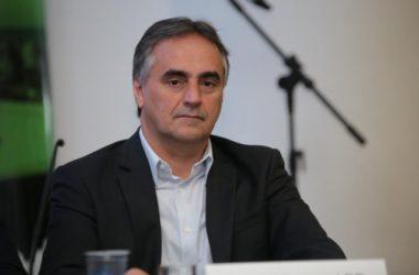 Luciano Cartaxo discute crise econômica e novos investimentos em reunião de prefeitos