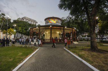 Luciano Cartaxo entrega requalificação da Praça Venâncio Neiva e transforma o Pavilhão do Chá em um Centro Cultural