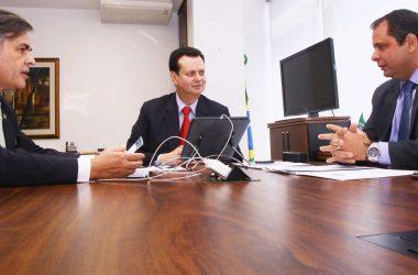 Ministro das Comunicações promete agilidade para implantação da Rádio Comunitária do Valentina