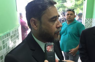 Adriano Martins diz que colegas têm rabo preso e devem absorver Berg Limão