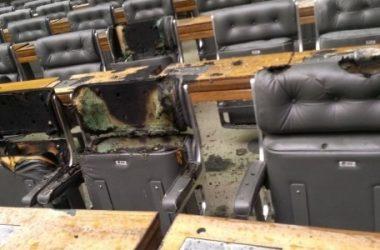 Câmara Federal tem princípio de incêndio e Esplanada suspeita de bomba