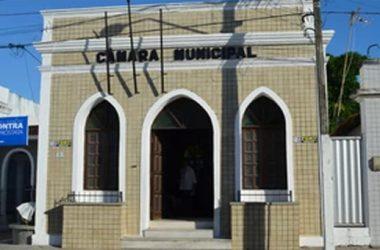 """Cabedelo: Eleito na chapa de Geusa, vereador diz à polícia que vereadora """"forjou"""" documento da eleição"""