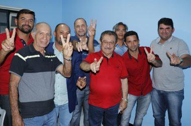 Zé Maranhão recebe adesões de ex-prefeito de Princesa Isabel e lideranças de Juru e Manaíra