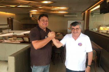 Roberto Paulino recebe adesão do candidato Wallber Virgolino