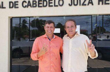 Justiça nega pedido da oposição e Vitor Hugo recebe diploma e toma posse na segunda