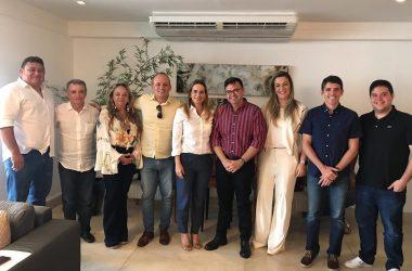 Daniella Ribeiro reúne deputados de oposição em João Pessoa