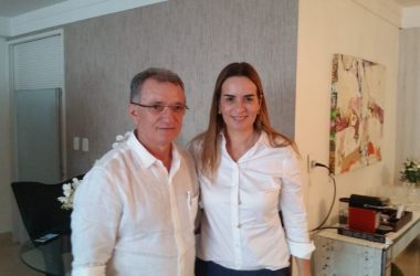 """Esperamos que a oposição se sinta mais forte e mais unida"""" diz Galego Souza após reunião com Daniella Ribeiro"""