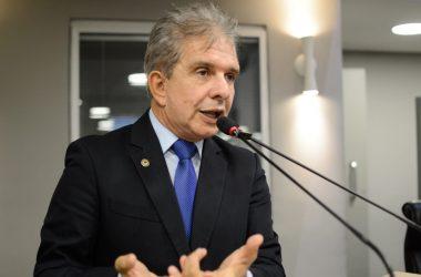 Nabor faz apelo ao Governador para regularizar situação dos hospitais de Patos e Taperoá