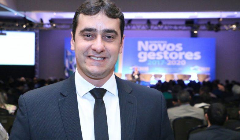 Prefeito de Cubati loca carro de luxo por R$ 8 mil por mês para seu gabinete