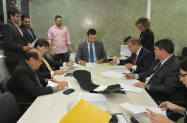 CCJ aprova criação de funções de diretor pedagógico e administrativo na gestão escolar municipal