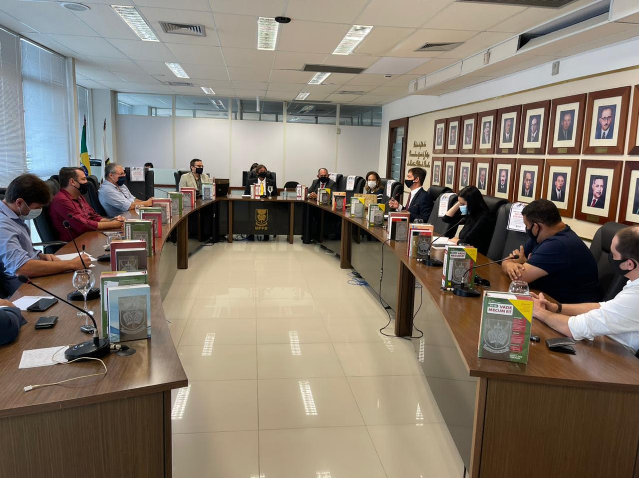 Novo decreto estabelece que bares e restaurantes só poderão funcionar até  1h da manhã em João Pessoa – Politica & ETC